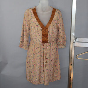 Mini dress, cream with brown accesnt, size M